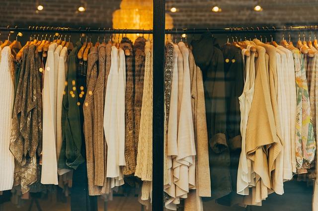 oblečení na prodejně